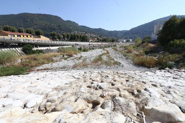 Le Paillon est à sec à Nice, au niveau du quartier de l'Ariane