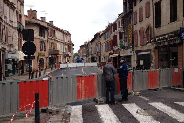 Un périmètre de sécurité a été mis en place autour de l'immeuble sinistré