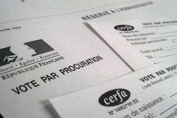 La procuration sert à voter malgré une impossibilité de se déplacer à son bureau de vote