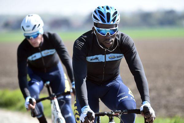 Le Rwandais Joseph Areruya va devenir le premier coureur noir africain à disputer le Paris-Roubaix.