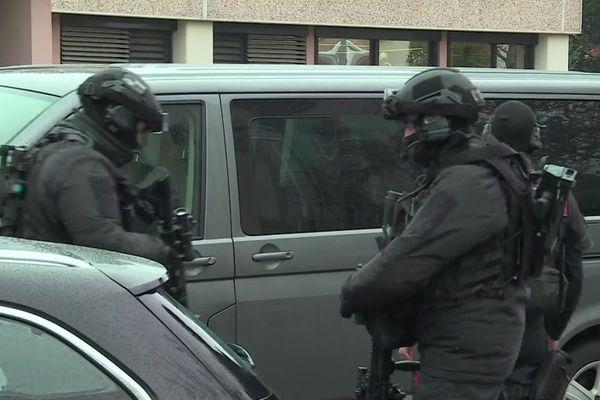 Une équipe du RAID en intervention mercredi 6 janvier 2021 à Haguenau.