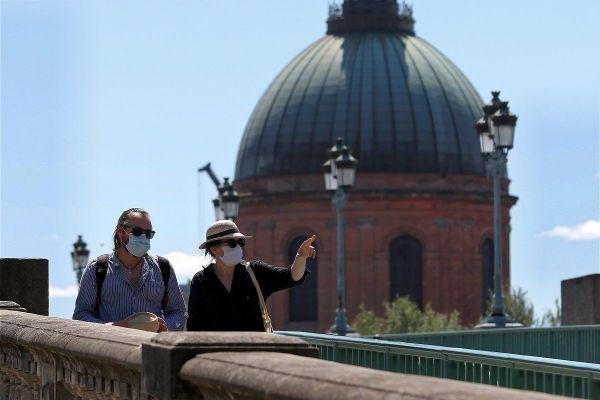 Toulouse est la première grande ville de France à imposer le port du masque généralisé.