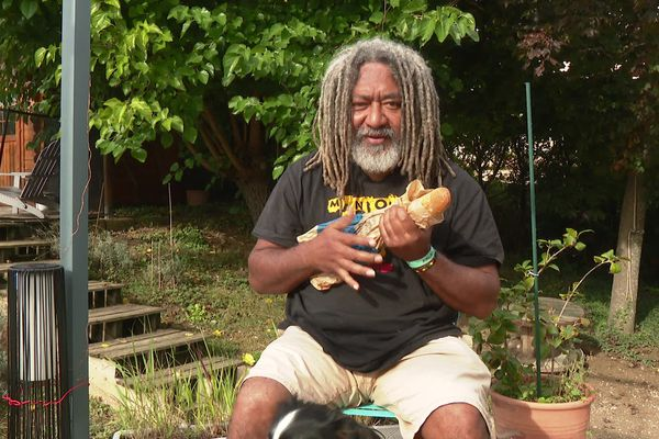 """""""La chanson du pain"""" de John Wawapapi a été vue plus de 500 00 fois en 48 heures sur Tik ToK"""