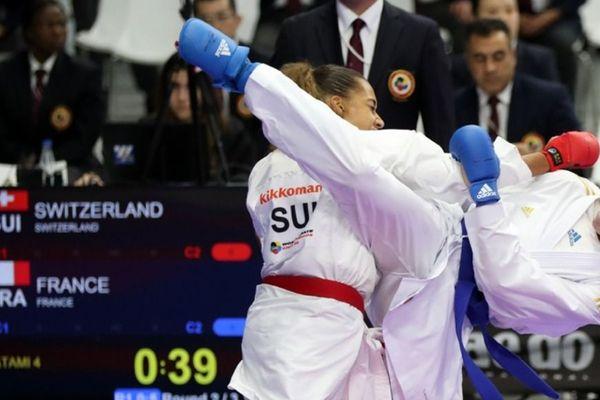 Laura Sivert ( La Sauvegarde de Besançon), championne du monde de Karaté en équipe à Madrid en novembre 2018