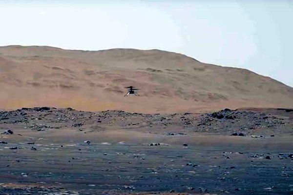 Le 1er Mai 2021, l'instrument franco-américain du rover Perseverance de la NASA, SuperCam, a enregistré pour la première fois sur Mars les sons de l'hélicoptère Ingenuity lors de son 4ème vol au-dessus du cratère Jezero.