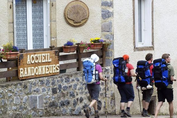 1 500 pèlerins traversent chaque année le Limousin sur la voie de Vézelay vers Saint-Jacques-de-Compostelle