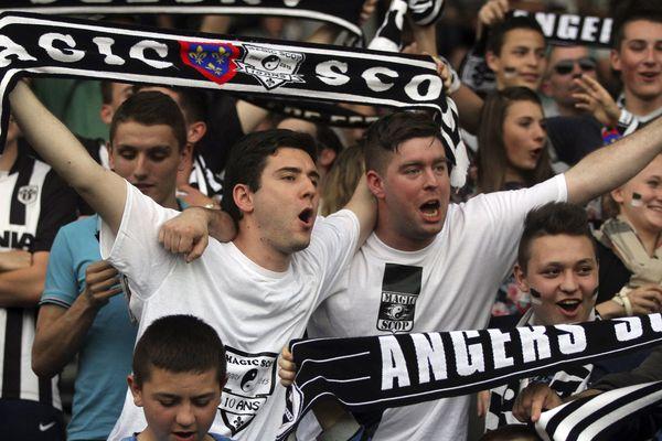 Les supporters angevins à deux matchs de la Ligue 1 ?