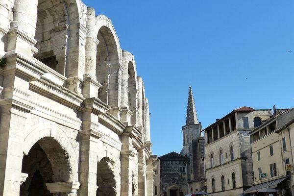 La 16e circonscription des Bouches-du-Rhône englobant la commune d'Arles.