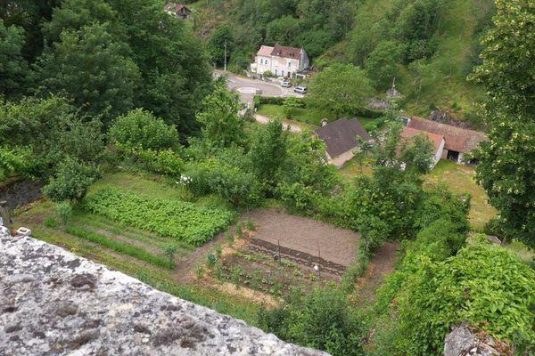 Les jardins en terrasse à Avallon, dans l'Yonne.