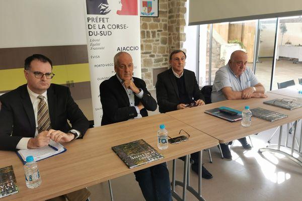 Réunion, ce mercredi 13 octobre à Evisa, entre le préfet de Corse et les élus de la communauté de communes Spelunca-Liamone sur le développement du tourisme de montagne.