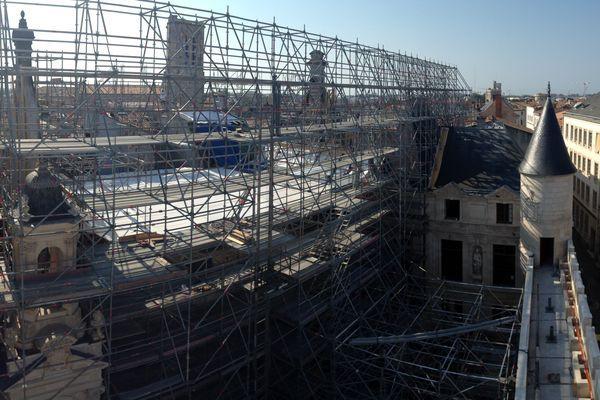 Les travaux en cours à l'hôtel de ville de La Rochelle.