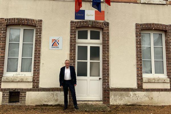 Michel Charpentier, maire de Fontenay-sur-Eure, nous explique ce que sont les responsabilités d'un maire de village.