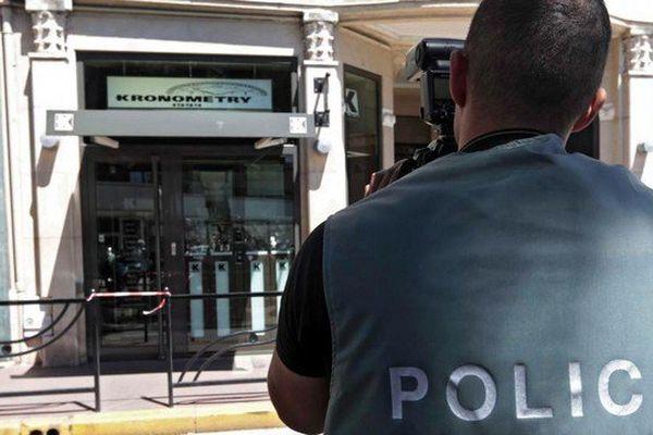 Le braqueur a été condamné pour le braquage de la bijouterie Kronometry de Cannes, le 31 juillet 2013.