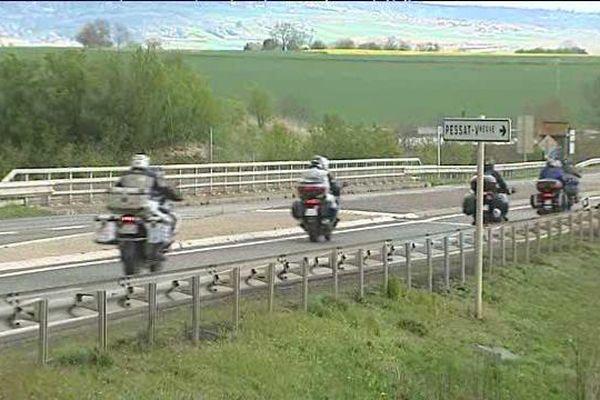 Les motards de la FFMC63 ont pris la route de Paris ce samedi matin.