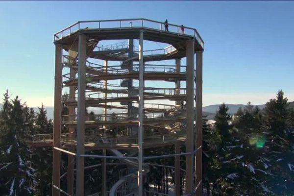 La tour du Haut-Folin pourrait ressembler à celle-ci.