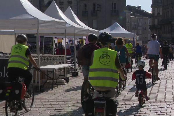 Rando à vélo en centre-ville de Limoges, pour la journée sans voiture en septembre 2020.