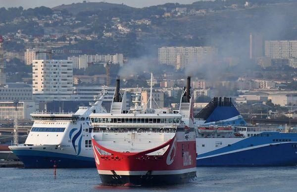 La Méridionale et Corsica Linea sont les deux compagnies qui assurent le trafic maritime entre la Corse et Marseille.