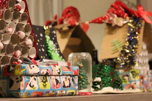 Les papiers cadeaux, rouleaux de papier toilette etc sont tous réutilisés / Reims, le 26 décembre 2017