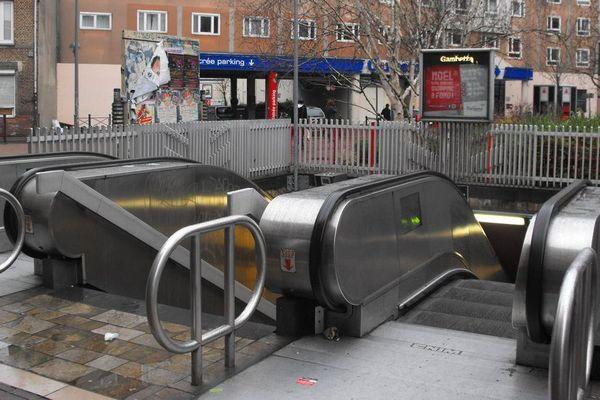 La victime a chuté dans un escalator de la station Gambetta.