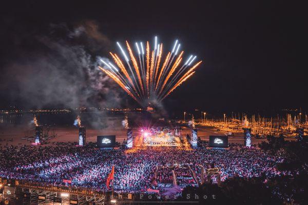 """Entre 40 et 60.000 personnes avaient l'habitude de se retrouver sur la grande plage de Royan pour """"Un violon sur le sable""""."""