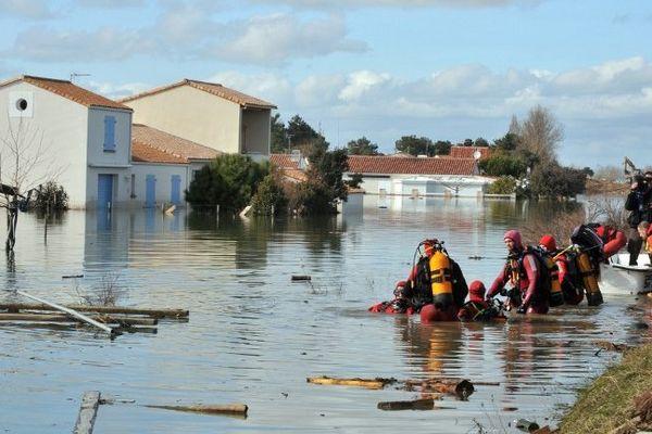 À la Faute-sur-Mer ceux qui n'ont pas survécu à la tempête Xynthia ont pour la plupart lutté, parfois longtemps, avant de succomber à la noyade dans la nuit du 27 au 28 février 2010 ont indiqué les experts au troisième jour du procès aux Sables-d'Olonne