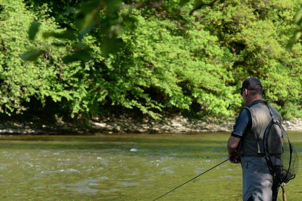 La pêche à la mouche, un geste interdit jusqu'en septembre