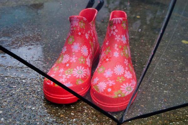 Des bottes et de la couleur : joindre l'utile à l'agréable.