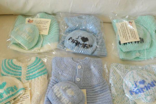 Depuis 2012, les Nounous tricot de Soissons dans l'Aisne ont réalisé environ 2000 layettes pour prématurés.