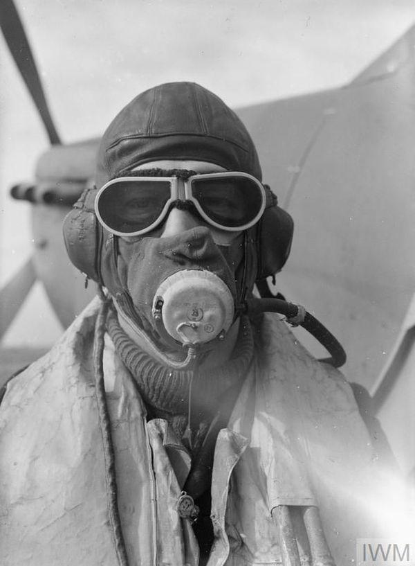 Walter Lawson, 27 ans, pilote de Spitfire du 19 Squadron photographié en septembre 1940.
