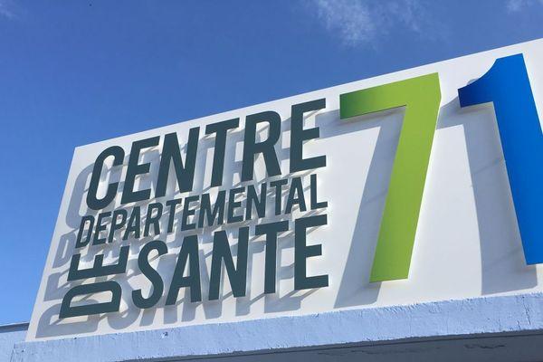 Le département de Saône-et-Loire a décidé d'embaucher des médecins généralistes pour faire face au manque de personnel soignant.