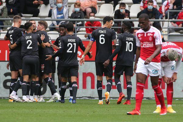 Les Lillois célèbrent l'unique but de la rencontre, marqué par Bamba.