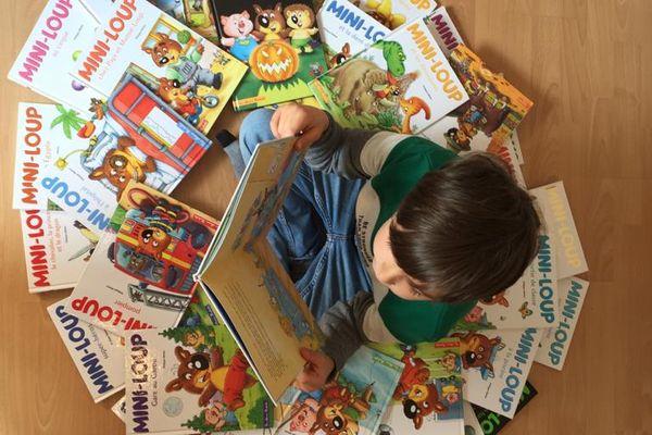 Léon et sa collection de Mini-Loup