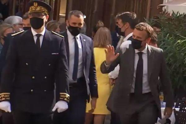 En visite dans la Drôme le 8 juin 2021, Emmanuel Macron a été giflé par un homme lors d'un bain de foule à Tain l'Hermitage.