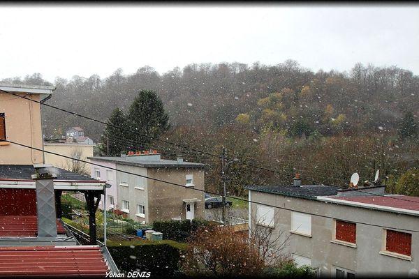 Il neigeait à Villerupt (54) ce matin.