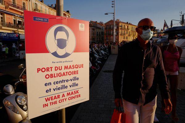 Le masque redevient obligatoire à Saint-Tropez comme en août 2020, date de cette photo.