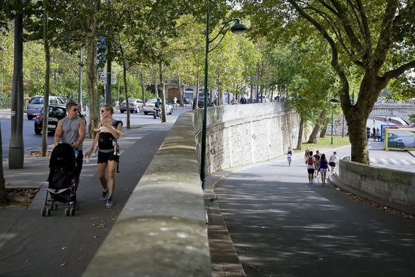 Les voies sur berges, rive droite, à Paris.