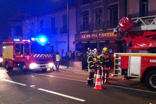 Les pompiers de Perpignan sont rapidement intervenus sur les lieux de l'incendie, rue du Général Leclerc.