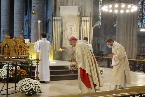 Messe de la Toussaint, le 1er novembre 2020, dans la cathédrale Notre-Dame de Rouen.
