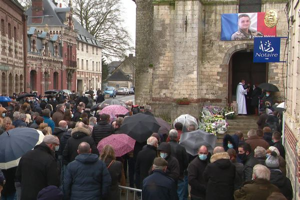 À Pas-en-Artois, les obsèques de Quentin Pauchet, soldat mort au Mali.