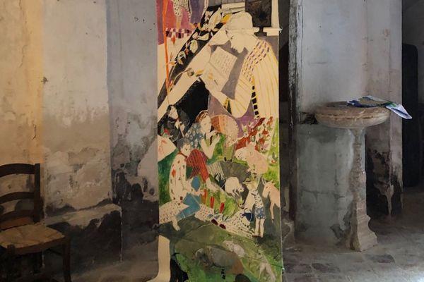 Dans l'église, détail d'une oeuvre monumentale de Véronique Soriano