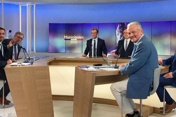 David Granel, Didier Mouly, Nicolas Sainte-Cluque, Jean-François Daraud participent à ce débat sur Narbonne