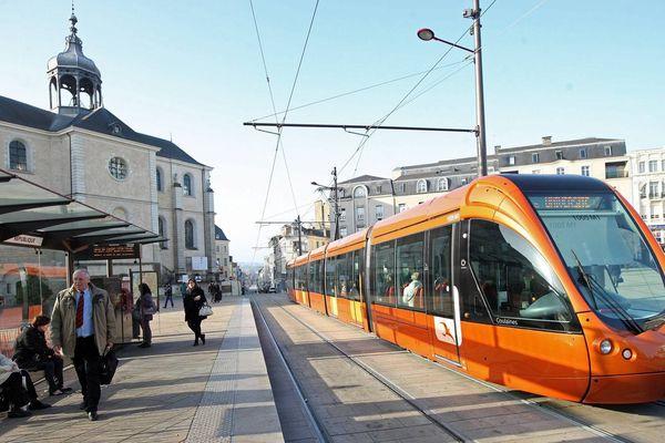 Les élus écologistes plaident plutôt pour une gratuité des transports publics le temps des fêtes de fin d'année.