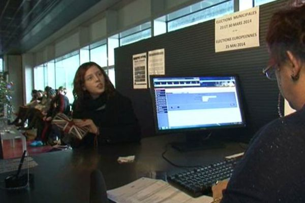 A Montpellier, le service des élections traite 350 nouvelles inscriptions par jour en cette fin décembre - 27/12/2013
