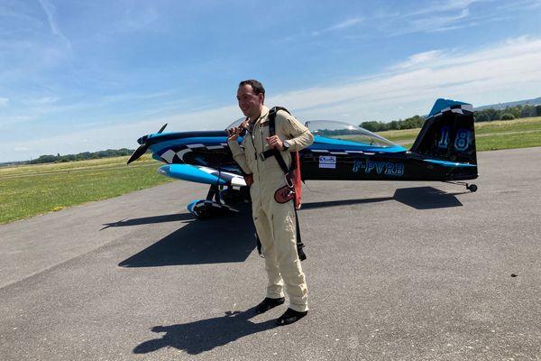Parti de Sarrebruck, en Allemagne, l'avion a rallié sans encombre l'aéroport de Reims-Prunay, piloté par Bastien le Roux.