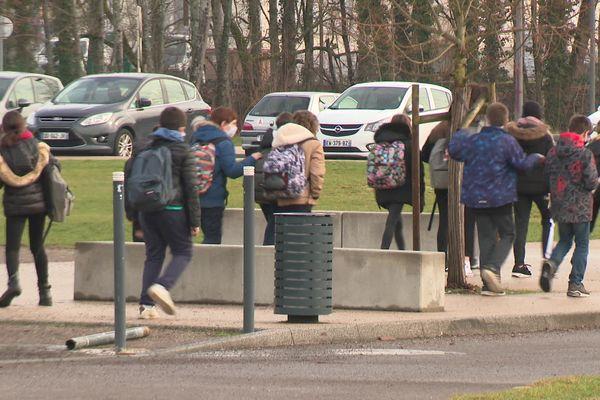 Un cas de variant sud-africain détecté dans ce collège de Morvillars près de Belfort
