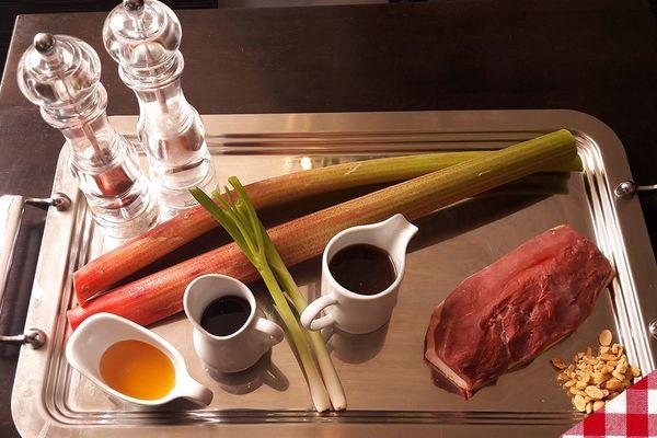 Les ingrédients du magret de canard rôti à la rhubarbe