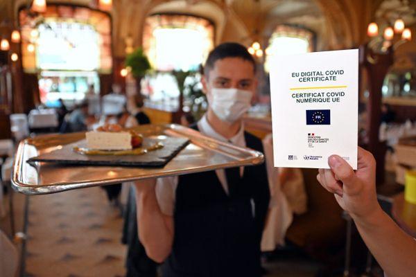 La présentation d'un Pass sanitaire valide est exigé dans les restaurants depuis le 9 août 2021.