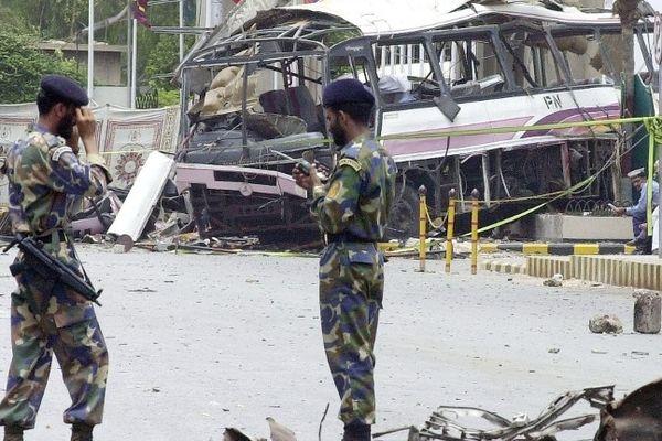 Même si les années passent, l'explosion du 8 mai 2002 est encore dans toutes les têtes. L'attentat avait totalement détruit le bus qui transportait les ouvriers français basés à Cherbourg.
