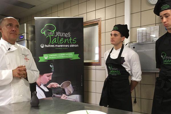 Richard Toix et les jeunes apprentis cuisiniers des Jeunes Talents