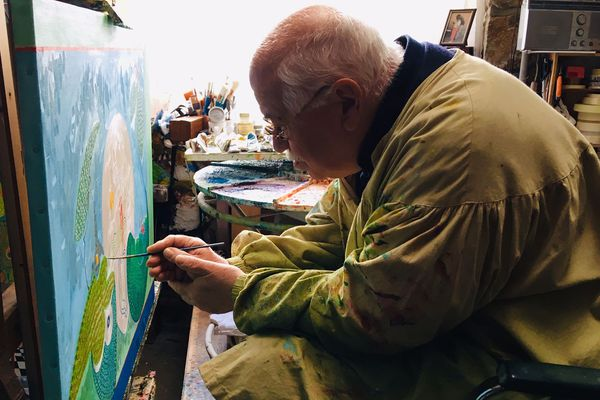 René Saint-Léonard dans son atelier - Saint-Léonard-des-Bois (72)